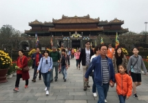 hue imperial city welcomes 11 million foreign tourists in first six months