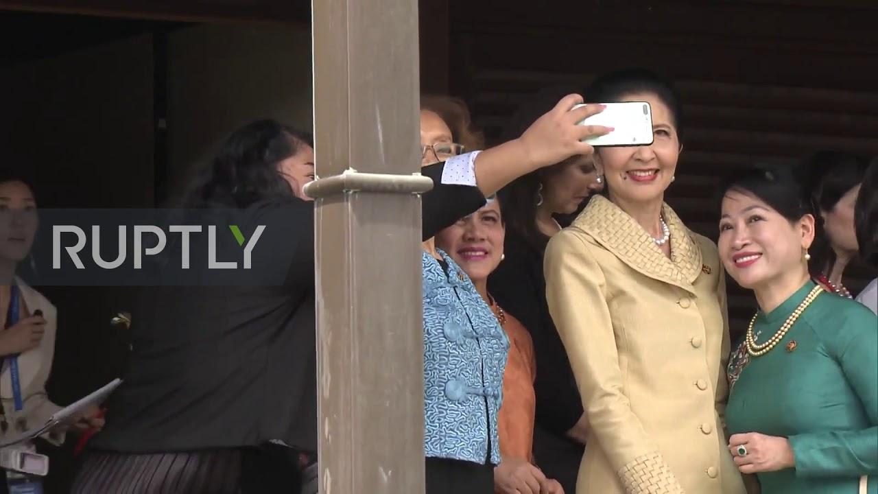 spouses of g20 leaders visit kyoto famous temple
