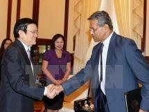 president receives imf representative