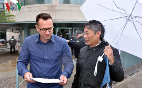 Vietnamese in Germany petition Angela Merkel for bringing East Sea issue to G20 summit