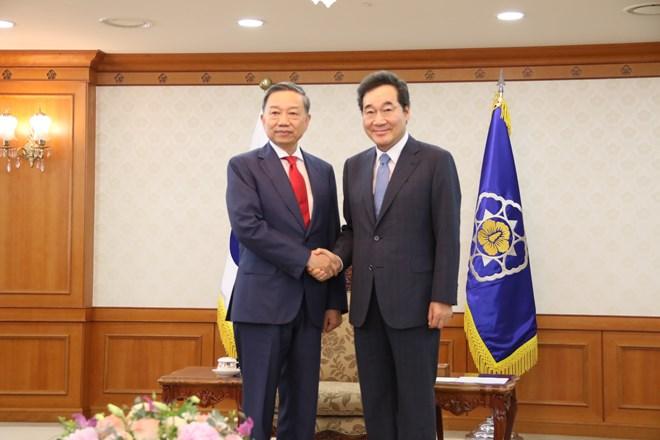 Vietnam, RoK to enhance cooperation in ensuring security