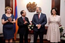 armenian pm invites vietnamese alumni to visit yerevan state university