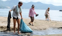 Meet the men who clear Vietnam beaches of garbage, pollutants