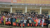 hanoi food rescue youth club act to support the disadvantaged