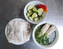 hot steamed rice rolls a must try in cao bang