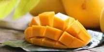 mango tropical fruit for lowering blood sugar boosting brain health