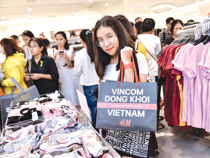 H&M stirring up a fast fashion fever in Vietnam