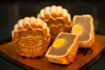 mooncakes why overindulging on these festive treats could be a health risk