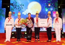 congratulations gifts sent to children on mid autumn festival