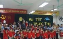 us ambassador celebrates mid autumn festival with vietnamese disabled children
