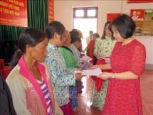 Son La: 88 Lao nationals granted Vietnamese citizenship