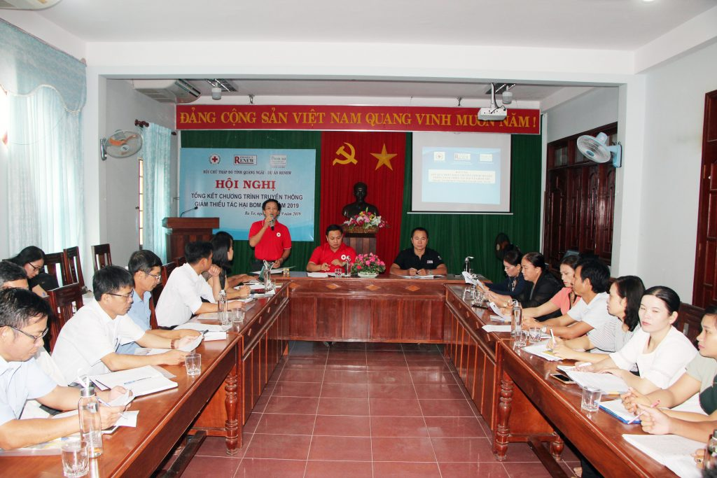Quang Ngai Red Cross Association reviews pilot replication of RENEW's MRE best practices in Ba To district