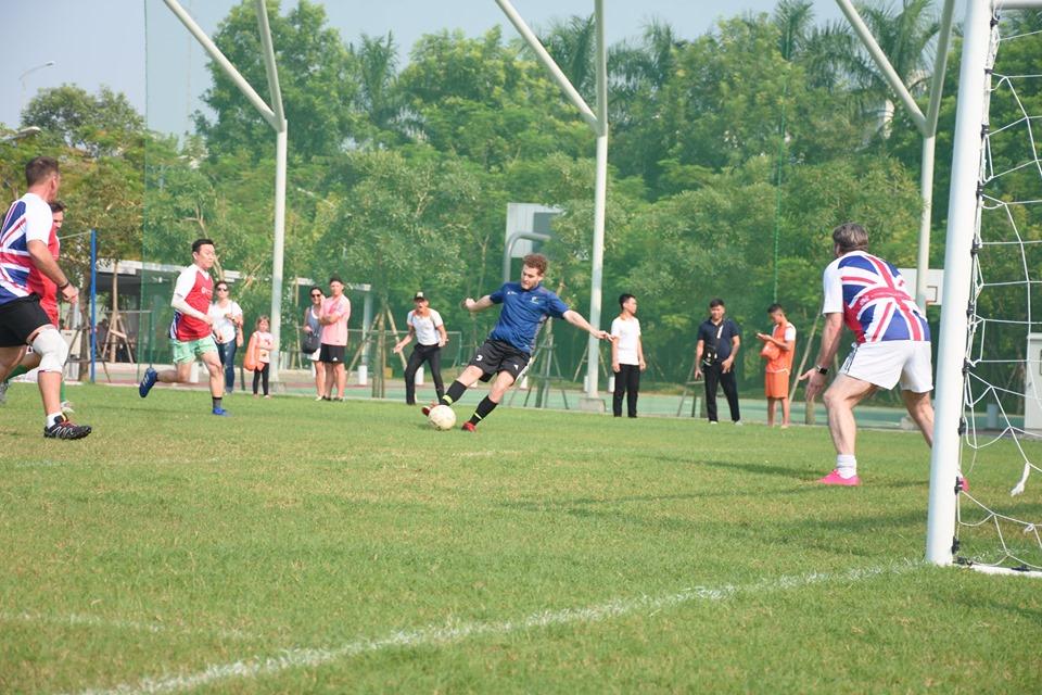 REACH Rumble Football Tournament raised VND 100 million for under privileged youth around Vietnam