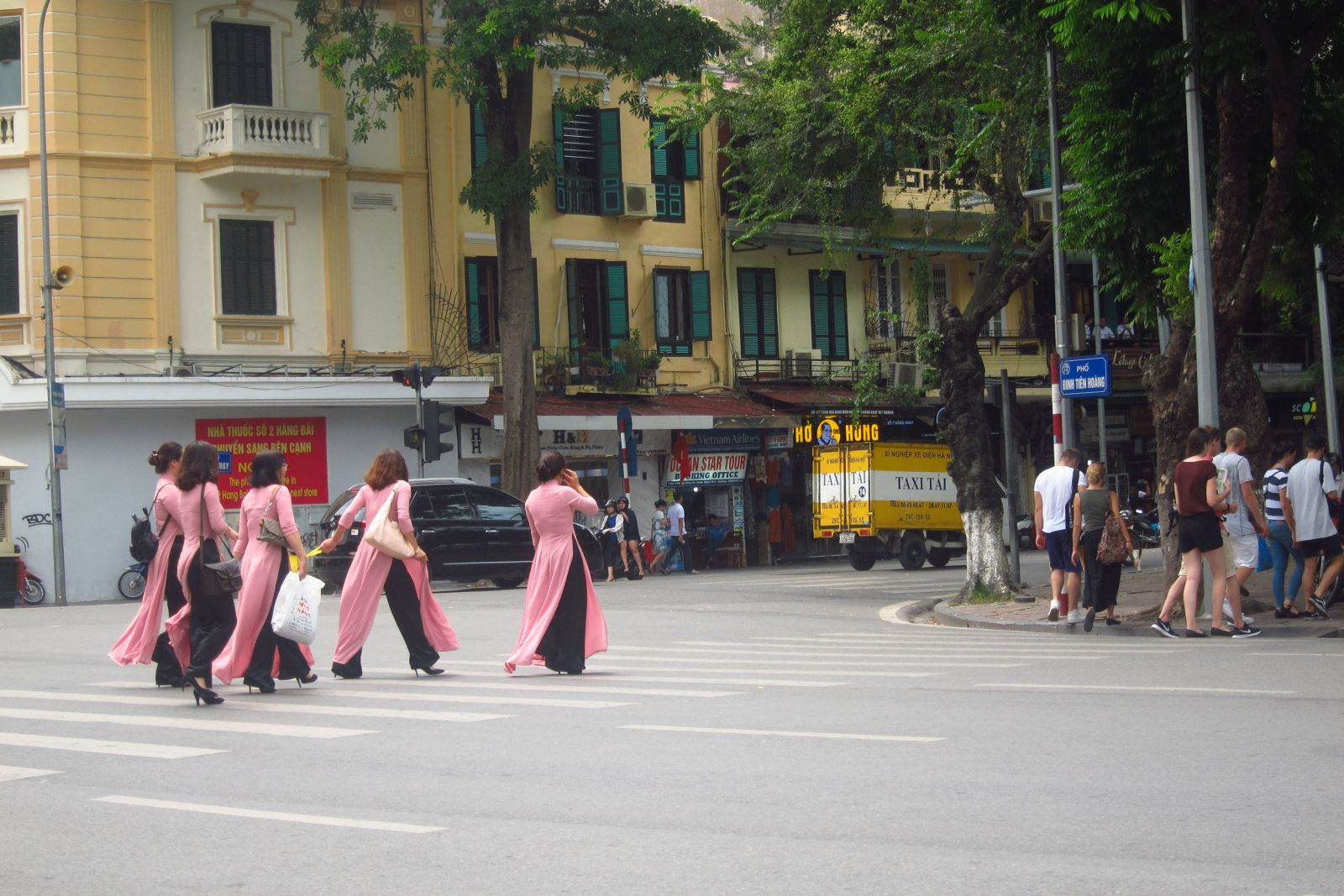 Hanoi to extend walking streets in Old Quarter