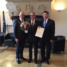 germany honors savior of vietnamese langurs