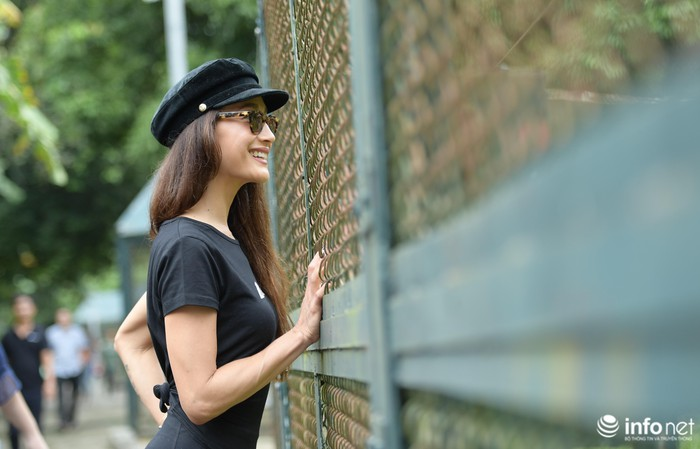 Hollywood star Maggie Q visits Vietnam Bear Rescue Centre in Tam Dao