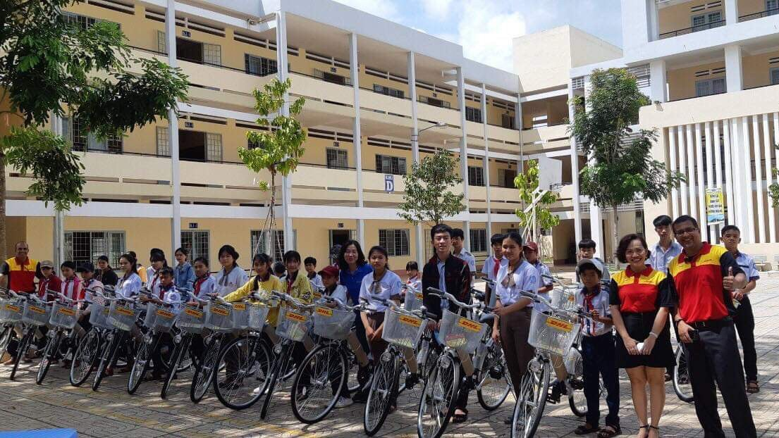 bicycles donated to 50 disadvantaged students in dong nai