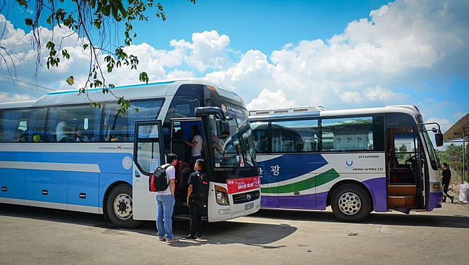 Grab tests new bus booking service in Vietnam