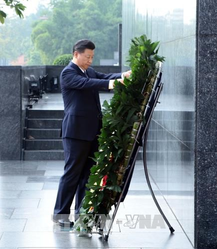 top chinese leader pays tribute to late president ho chi minh  hinh 1