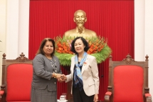 politburo member receives cuban womens federation representatives