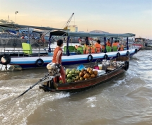 floating market still a popular mekong trading hub