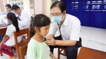 tien giang over 300 children received free heart check up