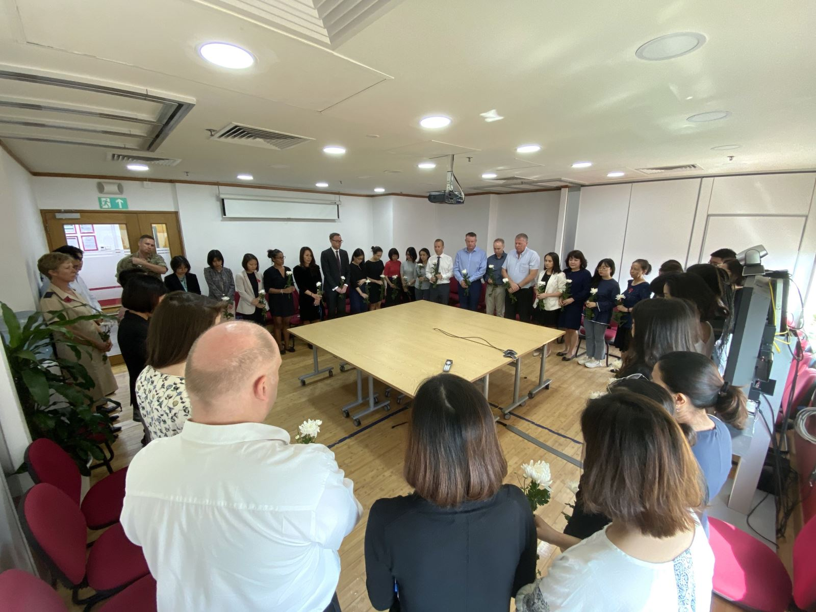 UK embassy in Hanoi holds minute's silence to commemorate Essex victims