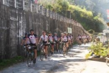 cycle4plan dutch sponsors raise funds for children in vietnam