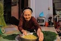 vietnam family surpass 70 years making hanois signature autumn food