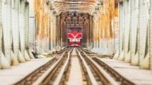 cnn hanois long bien bridge replaces train street as selfie hotspot