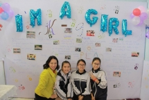 hanoian teenagers deliver equality receive love