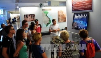 Vietnam plans to welcome 15-17 million foreign visitors in 2018