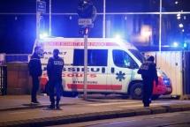 4 dead in Strasbourg Christmas market shooting, gunman on the run