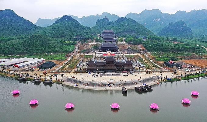 Tam-Chuc-Pagoda:-The-Largest-Pagoda-Complex-Beckons-Tourists,-Pilgrims.