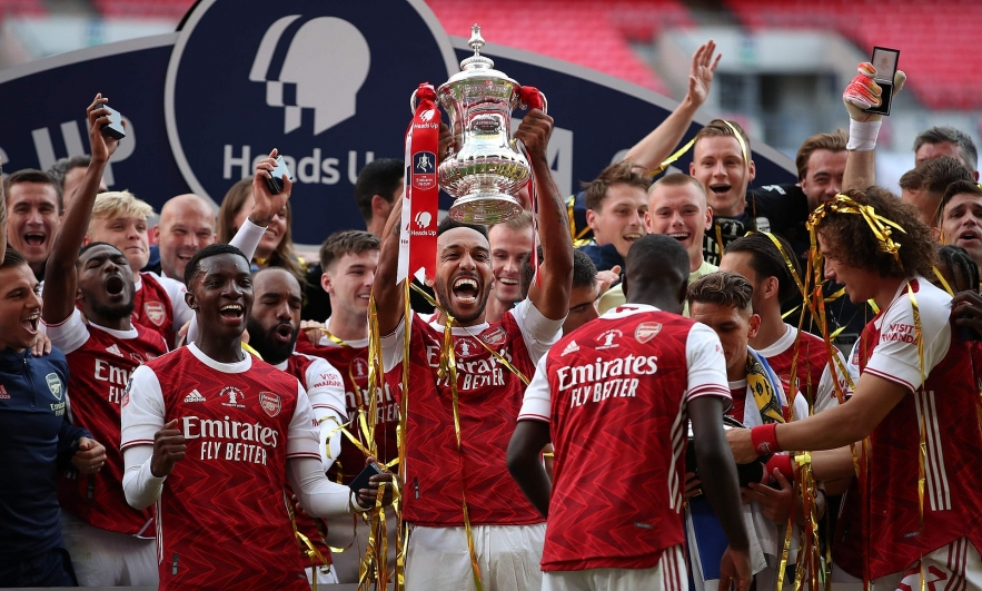 Arsenal's-two-goal-hero-Pierre-Emerick-Aubameyang-lifts-the-FA-Cup-at-Wembley.-Photograph:-Adam-Davy/AFP/Getty-Images