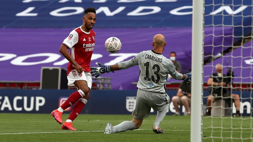Aubameyang-scores-his-side's-second-goal-of-the-game-during-the-Heads-Up-FA-Cup-final